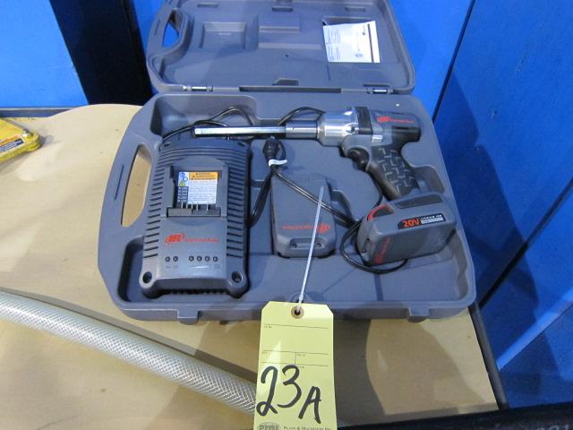 Lot 23A - CORDLESS DRILL, INGERSOLL RAND, 20 v.