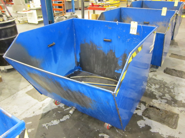 Lot 49 - SELF-DUMPING CHIP HOPPER, VESTIL 4,000 LB. CAP. MDL. H150-MV, 1-1/2 cu. yd. cap., forklift entry