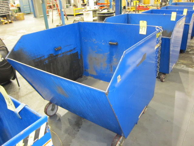 Lot 47 - SELF-DUMPING CHIP HOPPER, VESTIL 4,000 LB. CAP. MDL. H150-MV, 1-1/2 cu. yd. cap., forklift entry