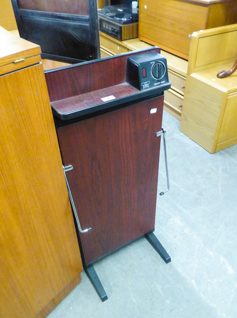 Lot 47 - CORBY ELECTRIC TROUSER PRESS