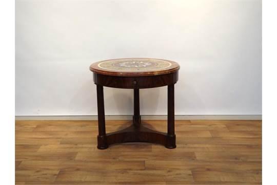 Empire mozaiek tafel empire tafel met rond marmeren blad ingelegd