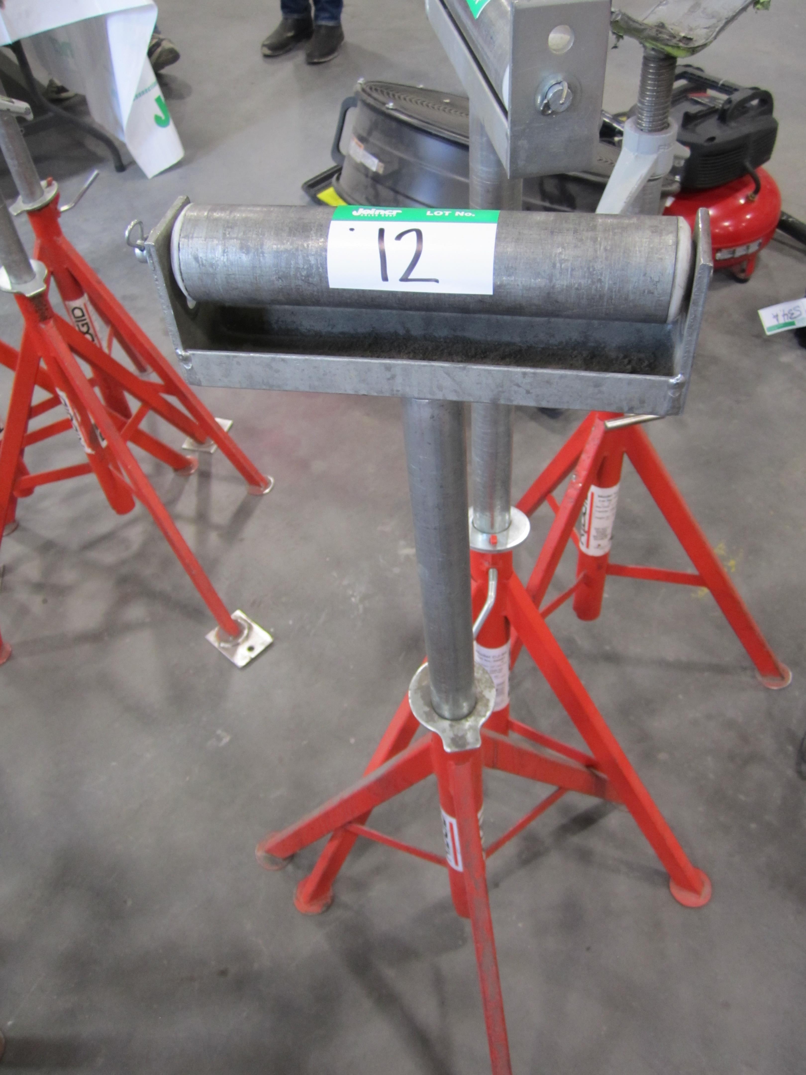Lot 12 - L1: RIDGID TRI-STAND W/ROLL TOP