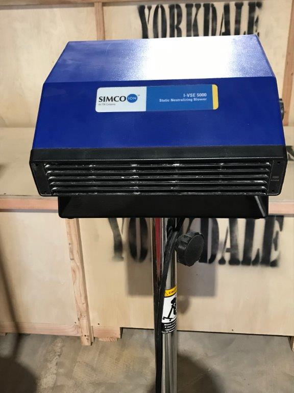SIMCO STATIC ELIMINATING BLOWER, MODEL I-VSE-5000. - LOCATION - AURORA, ONTARIO