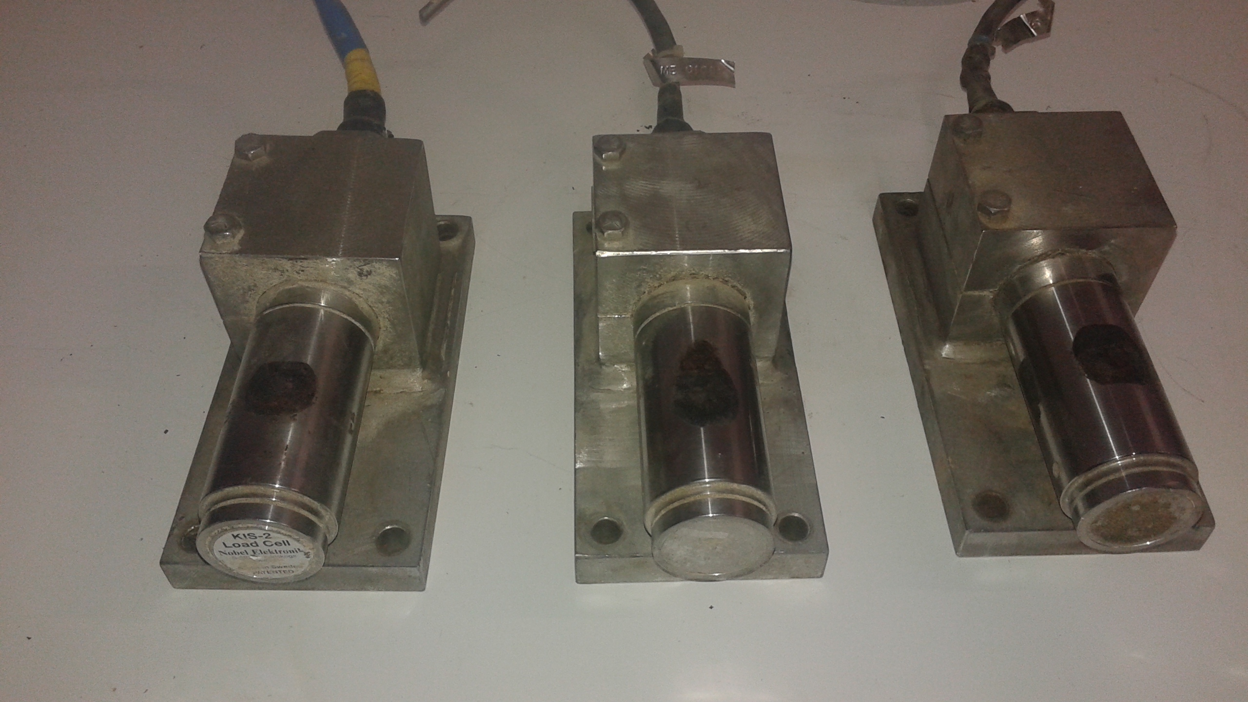 (1) LOT (3) Vishay BLH LIS-2 20KN Stainless Steel Load Cells - LOCATION - LONDON, ONTARIO
