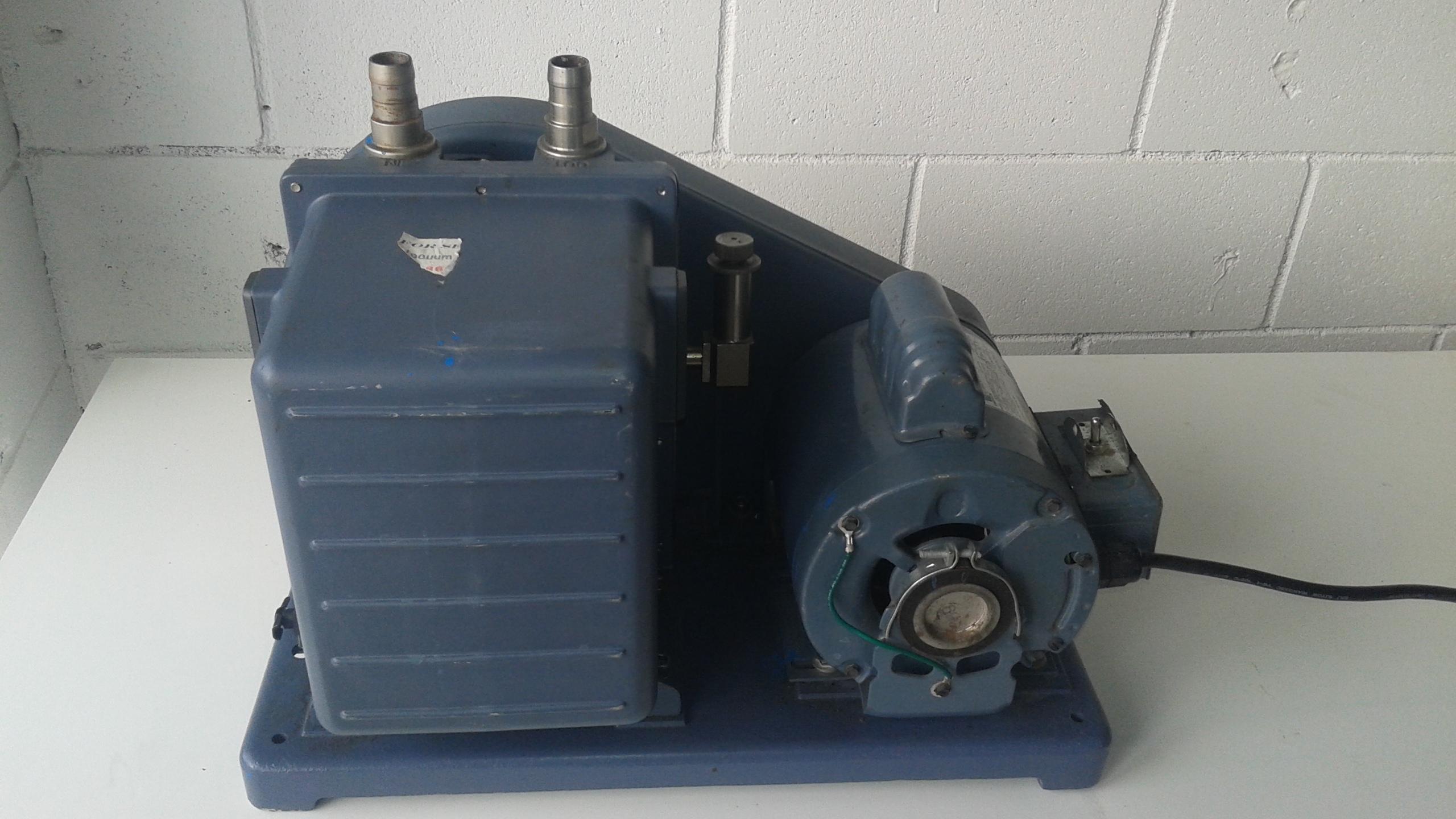 Welch Model 1402 Duo-Seal Vacuum Pump - LOCATION - LONDON, ONTARIO