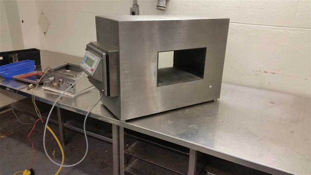 Thermo Goring Kerr Model DSP 3 Metal Detector S/N 06298304 - LOCATION - LONDON, ONTARIO