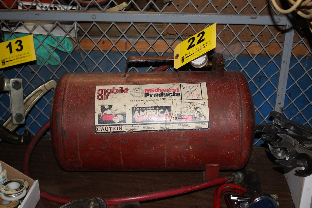 Lot 22 - MIDWEST PRODUCTS MOBILE AIR TANK