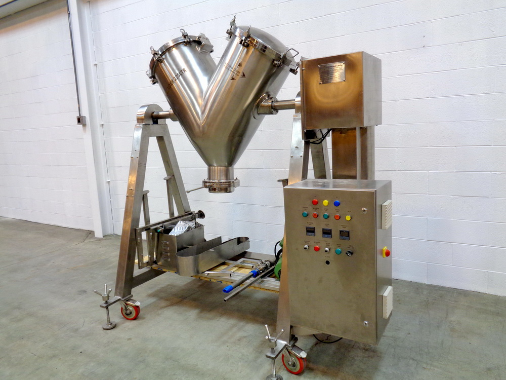 "Lot 40 - Becotochem-Lodige 5 CUFT 316L Stainless Steel Portable ""Vee"" Blender, Model GMP"