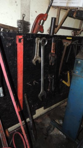 Tool Cage - Image 19 of 29