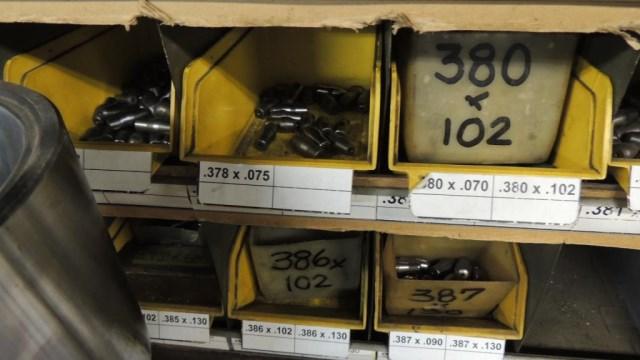 Pins - Image 15 of 29