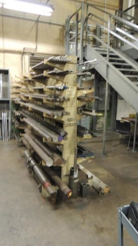 Cantilever Racks - Image 2 of 8