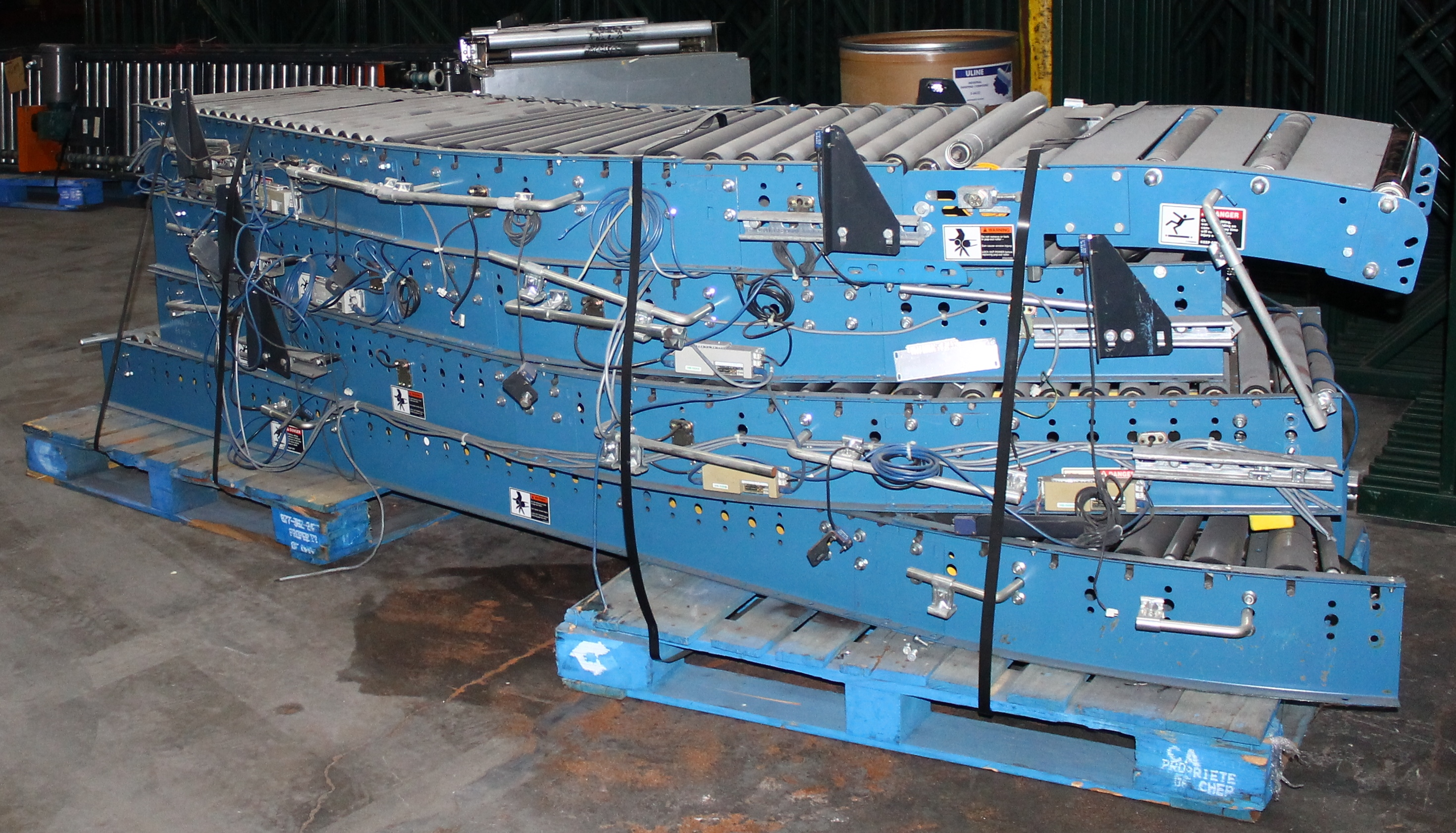 "Lot 4 - 36 FT OF 24""W GRAVITY ROLLER CONVEYOR"