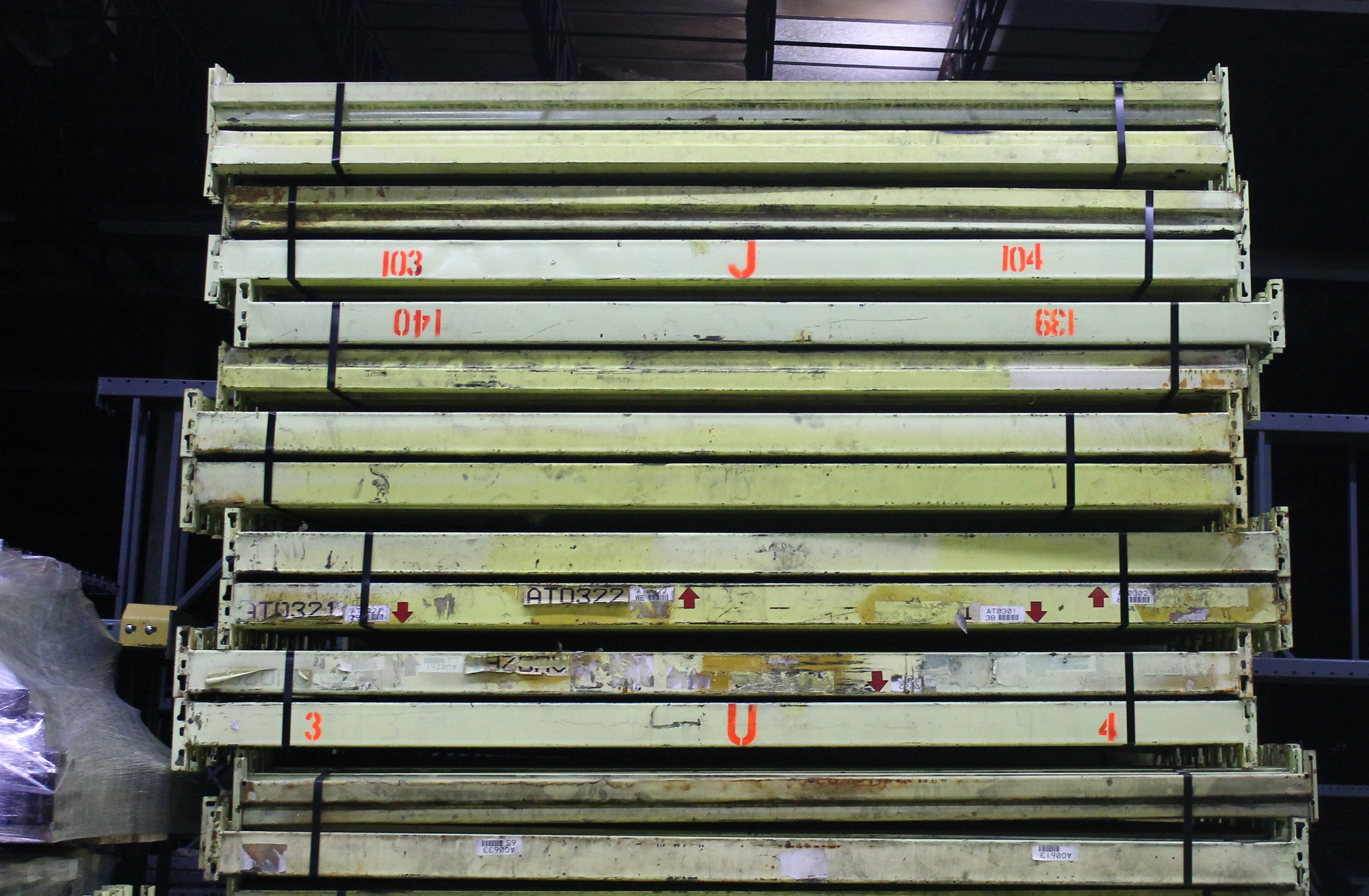 """Lot 36 - 10 BAY OF 16""""H X 96""""W X 42""""D SPEEDRACK WITH 3 LEVEL OF BEAM COLOR YELLOW"""