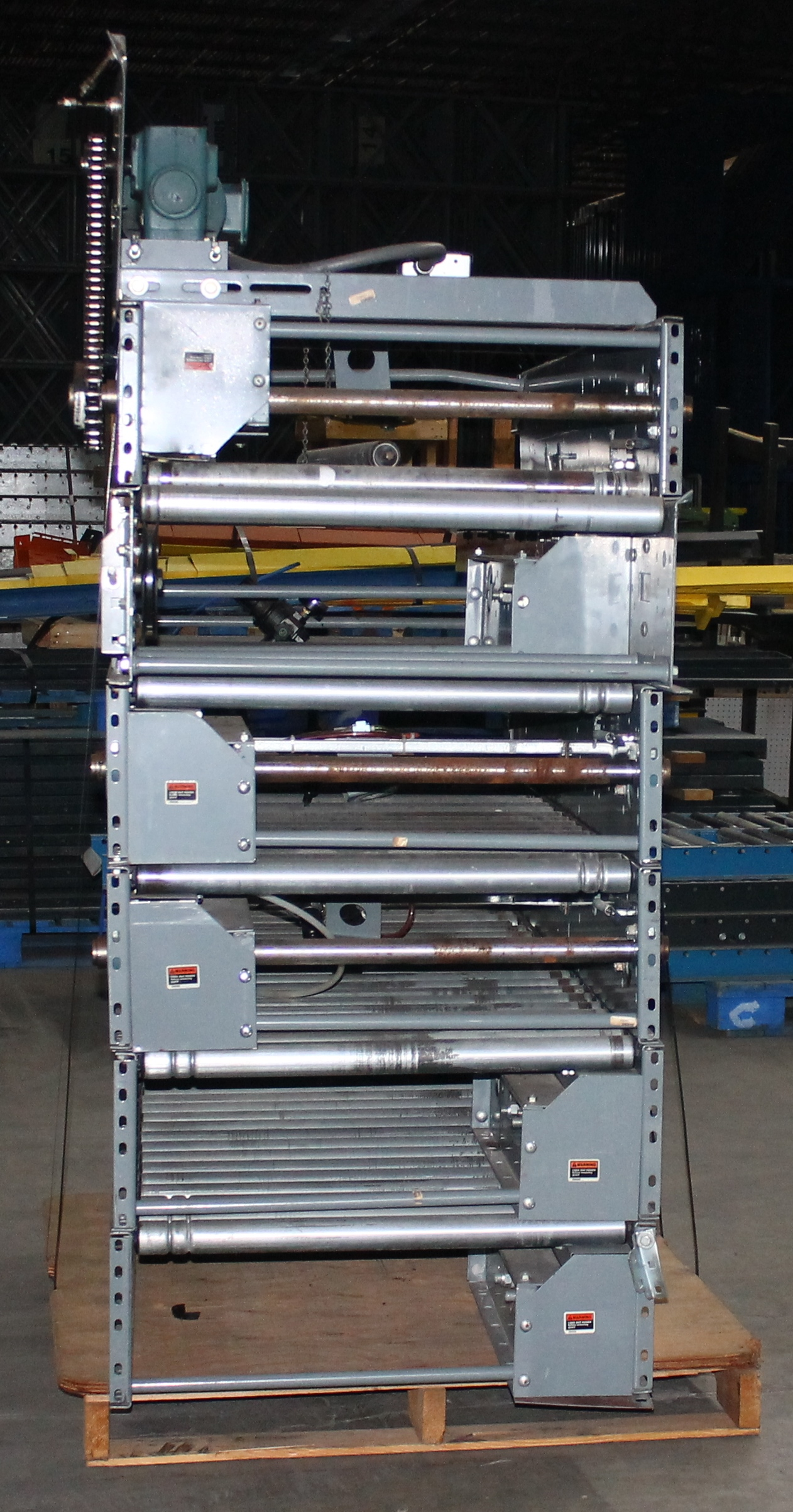 """Lot 15 - 30 FT OF 30""""W GRAVITY CONVEYOR WITH MOTOR"""