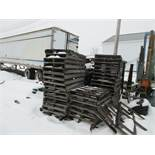 Assorted pallets (exterior) aprox 80