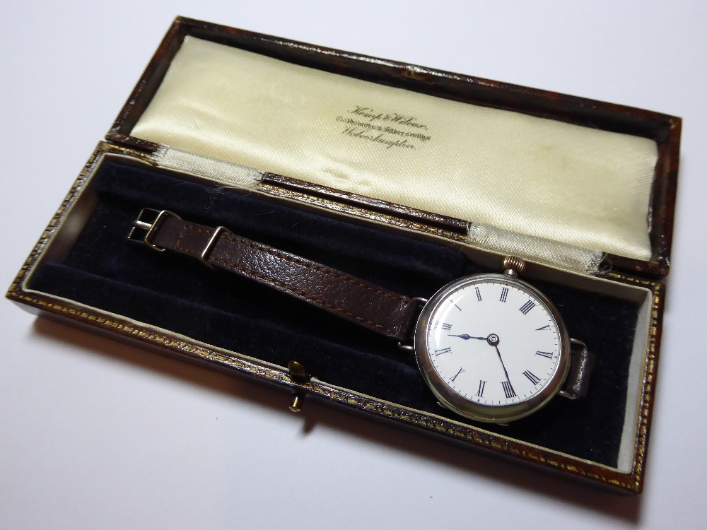 "A WW1 British Military """"Trench"""" watch. 3 - Image 2 of 5"