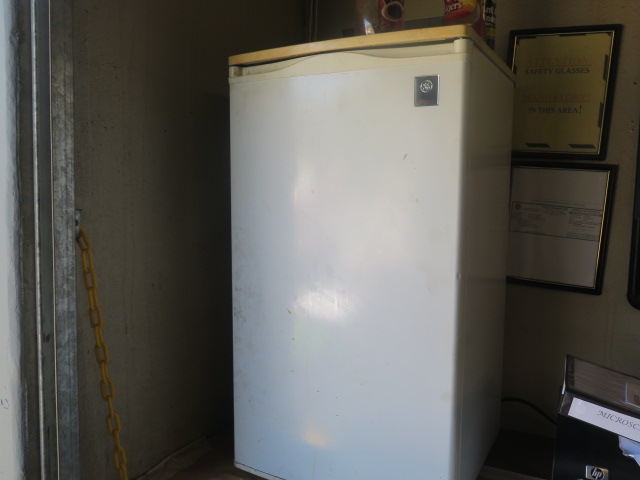 Lot 19 - Refrigerator and Microwave