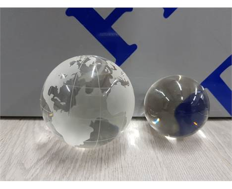OLEG CASSINI GLASS GLOBE PAPERWEIGHT WITH CRYSTAL BALL