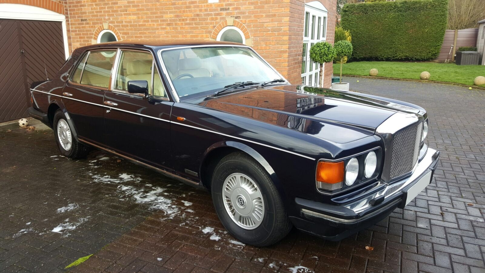 Lot 2 1991 j reg bentley eight 6 75l efi 4 door saloon
