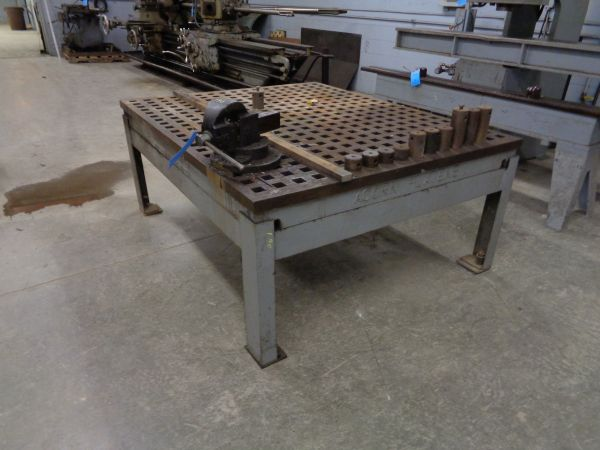 60 Quot X 72 Quot Acorn Iron Welding Table With Vise And Accessories
