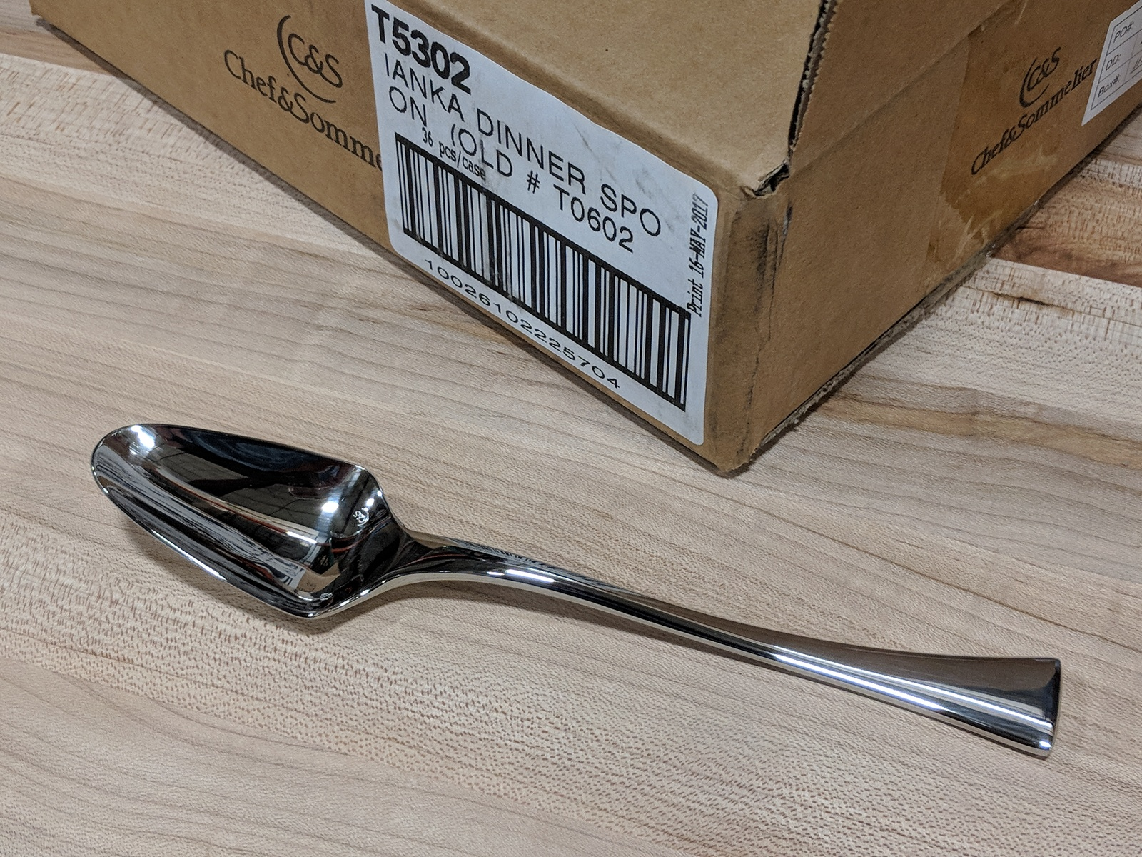 """Lot 47 - 8-1/4"""" Dinner Spoons, Extra Heavy Weight Chef & Sommelier T5302 - Lot of 36"""