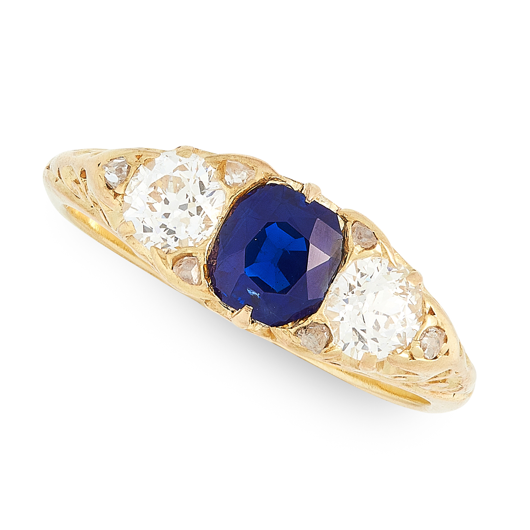 AN ANTIQUE SAPPHIRE AND DIAMOND RING, CIRCA 1900 in high carat yellow gold, set with a cushion cut