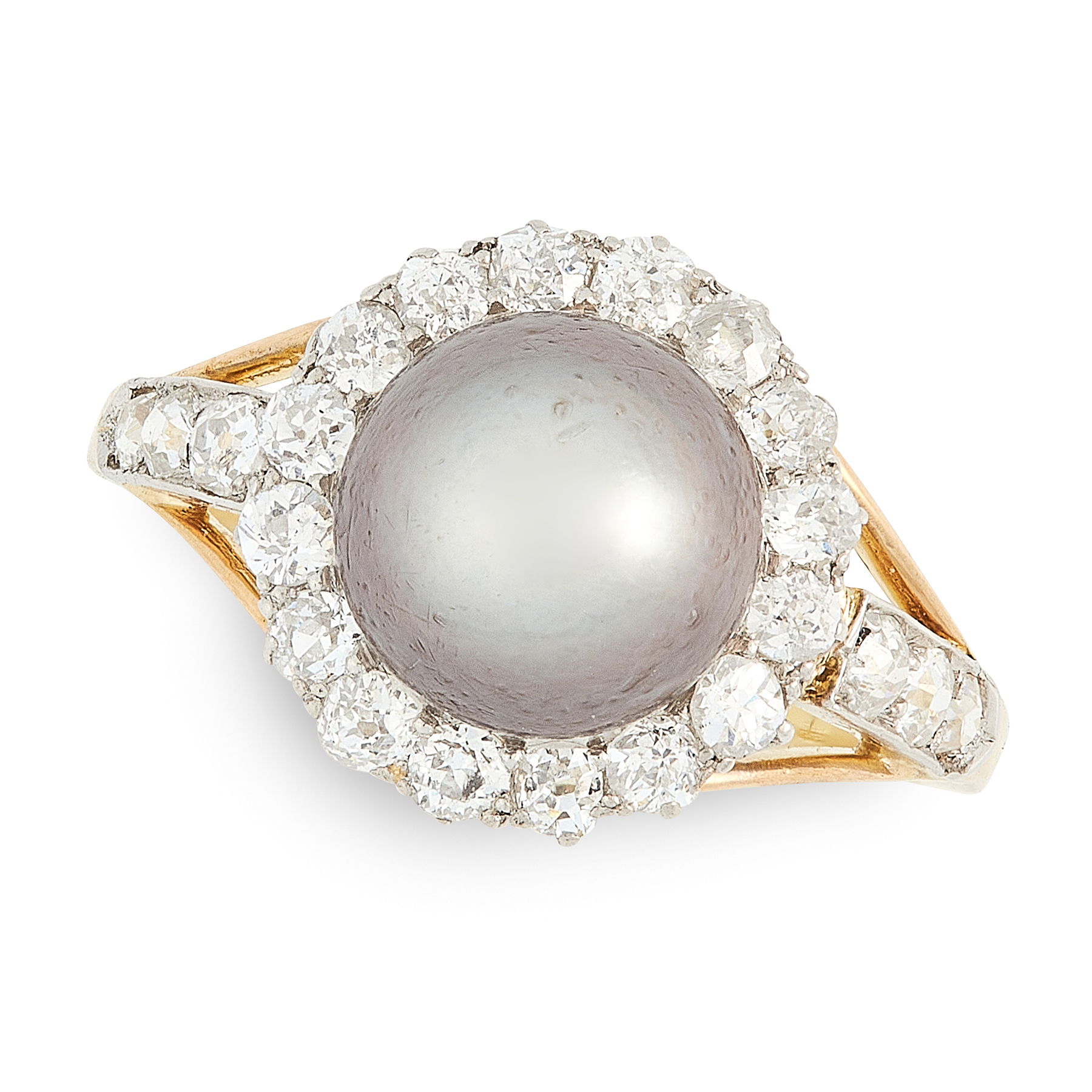 A NATURAL PEARL AND DIAMOND RING in yellow gold, set with a grey pearl of 8.58mm, weighing 3.87