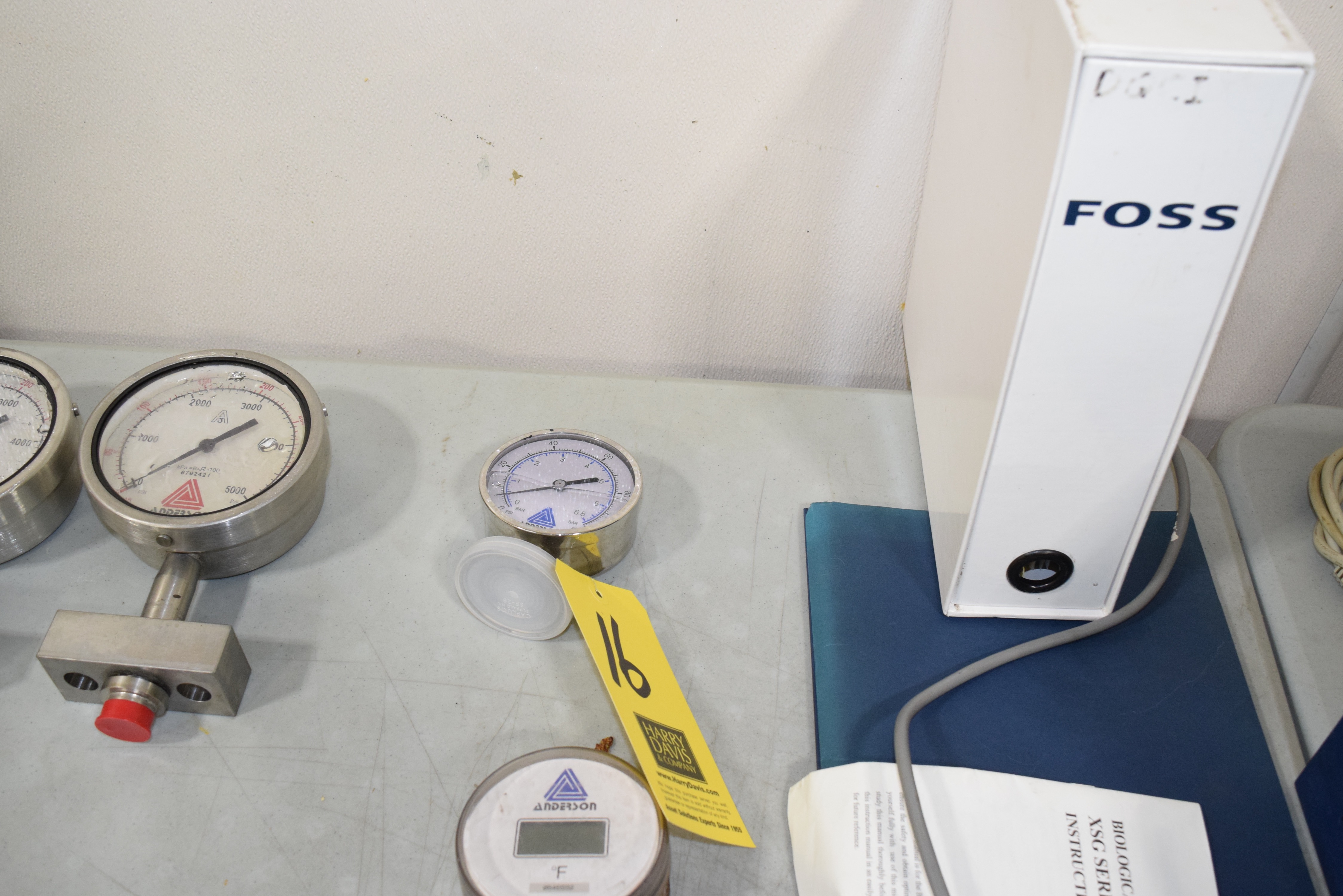 Lot 16 - NEW Anderson S/S Pressure Gauge**Rigging Fee $25