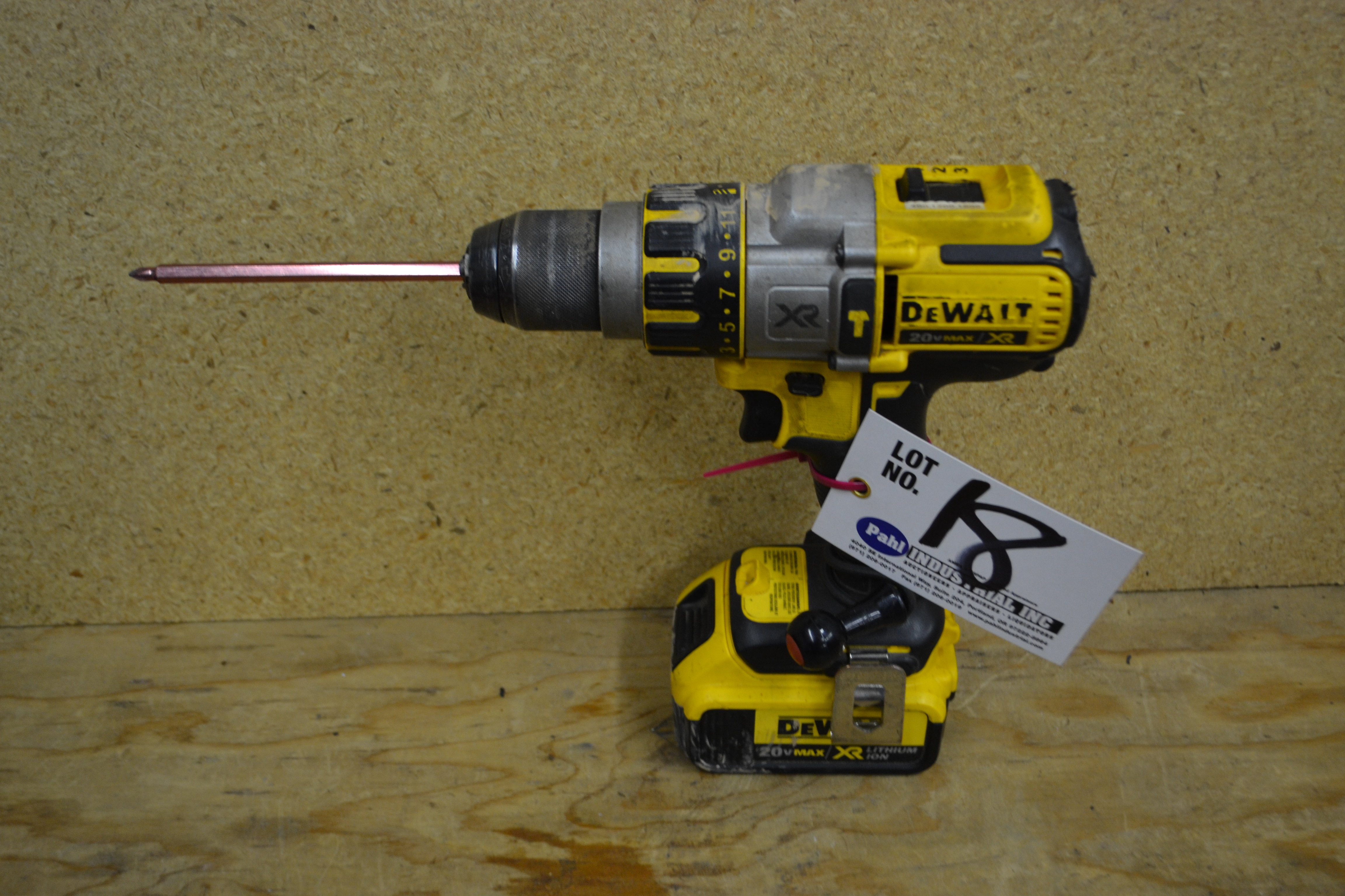 """DeWalt DCD995 20V Cordless Drill 1/2"""" Drive with battery"""