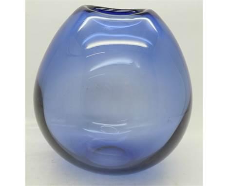 A Swedish Holmegaard glass vase, c.1960's, 16.5cm