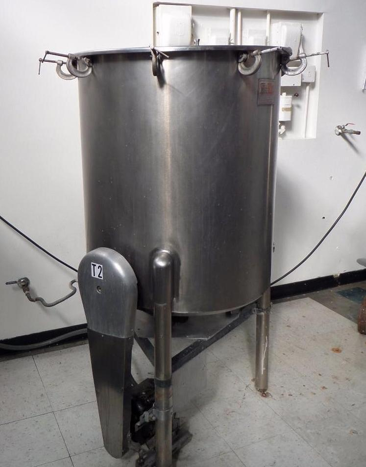 Lot 2001 - SS Tank heated w/ gas burner and side entering agitator
