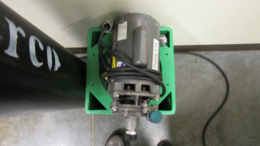 Lot 57 - Pump
