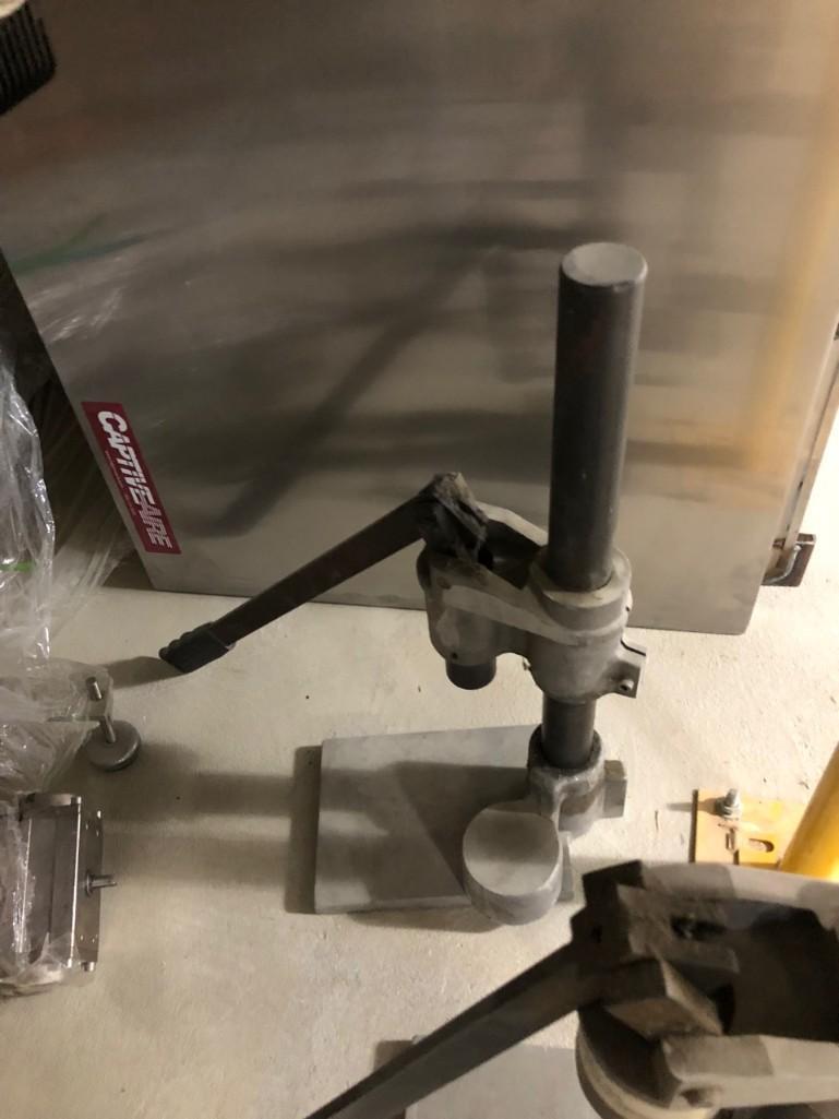 Lot 205 - Pneumatic Crimping Machine