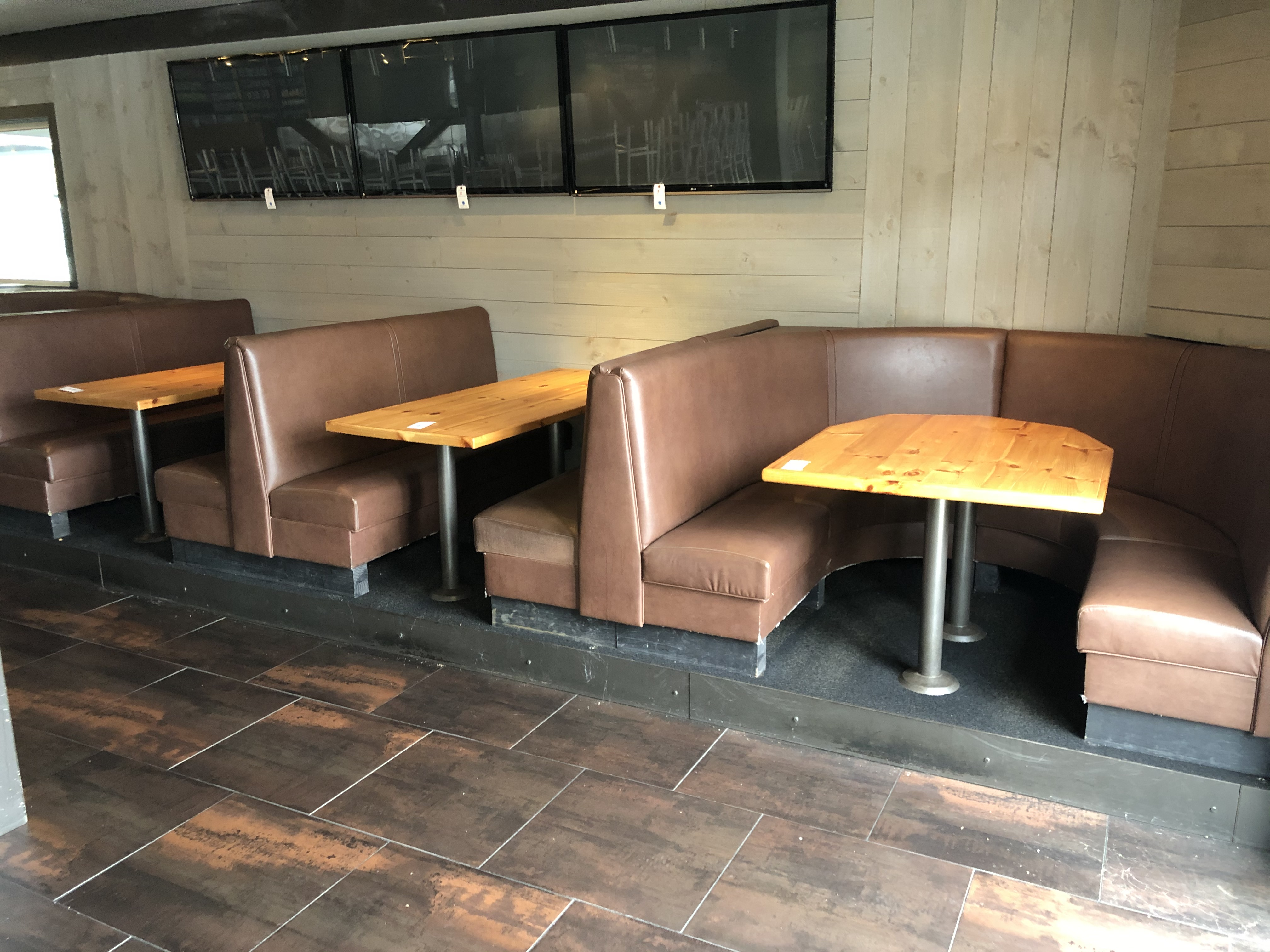 {LOT} (4) Complete Booth Setups c/o: (2) Fully Upholstered U-Shaped 7' x 6' Booths w/Double Pedestal - Image 2 of 4