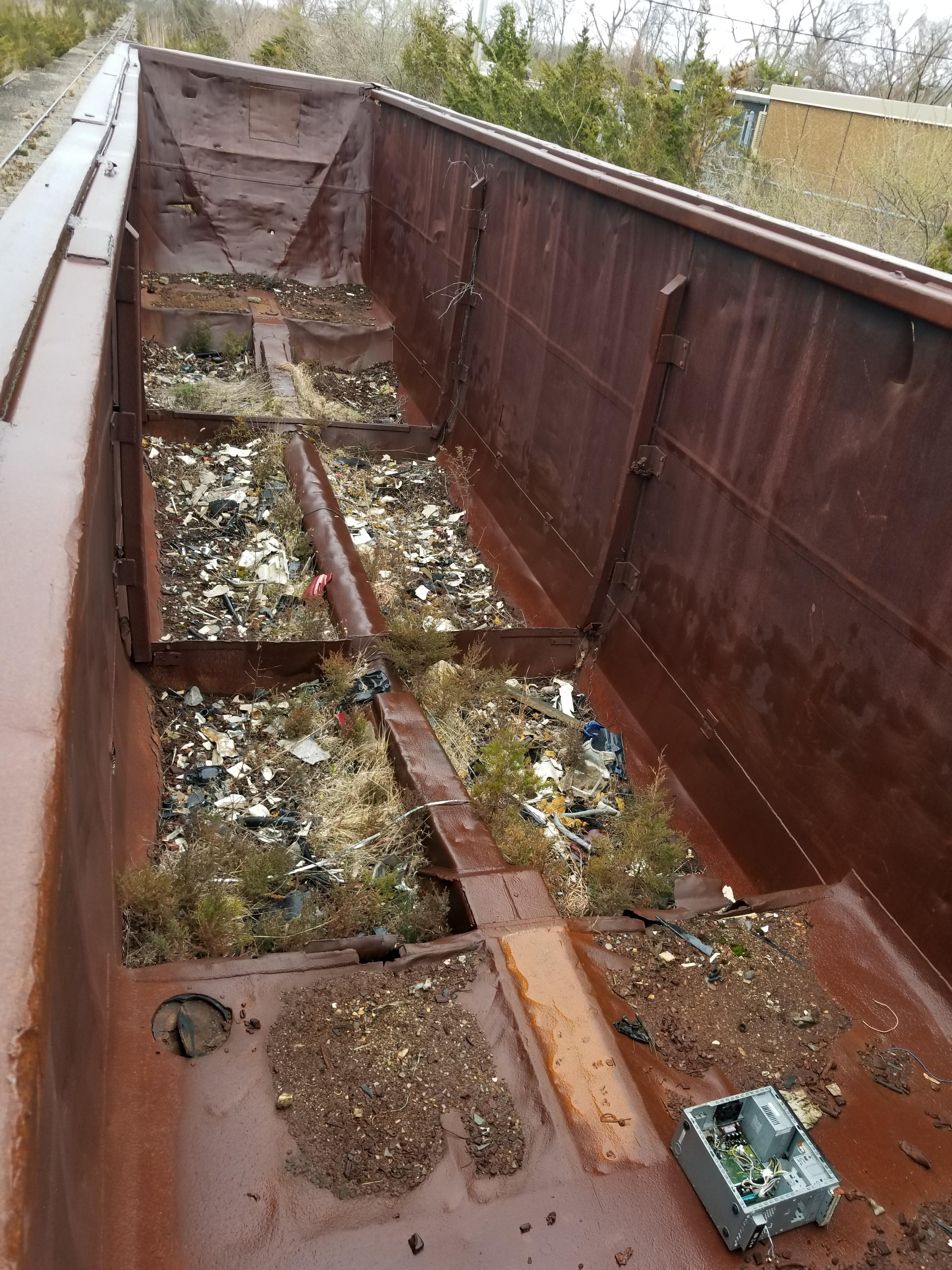 Lot 1 - LOT 1 - (X4) BATH TUB BELLY GONDOLA RAIL CARS (CAPE MAY, NJ) (1-1) SRXX 4203 BATH TUB BELLY