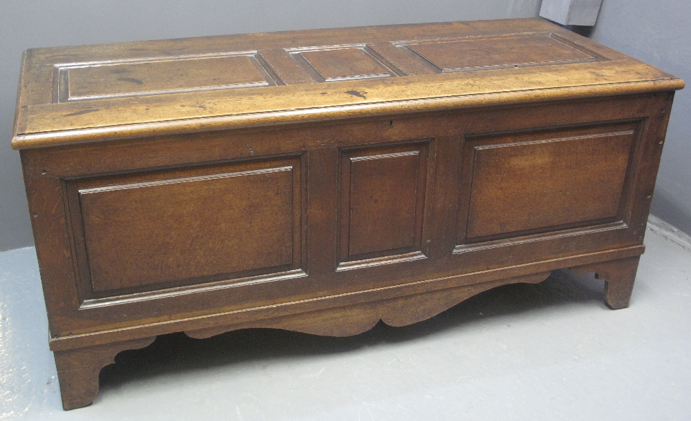 Lot 95 - LARGE 18TH CENTURY OAK COFFER having pan
