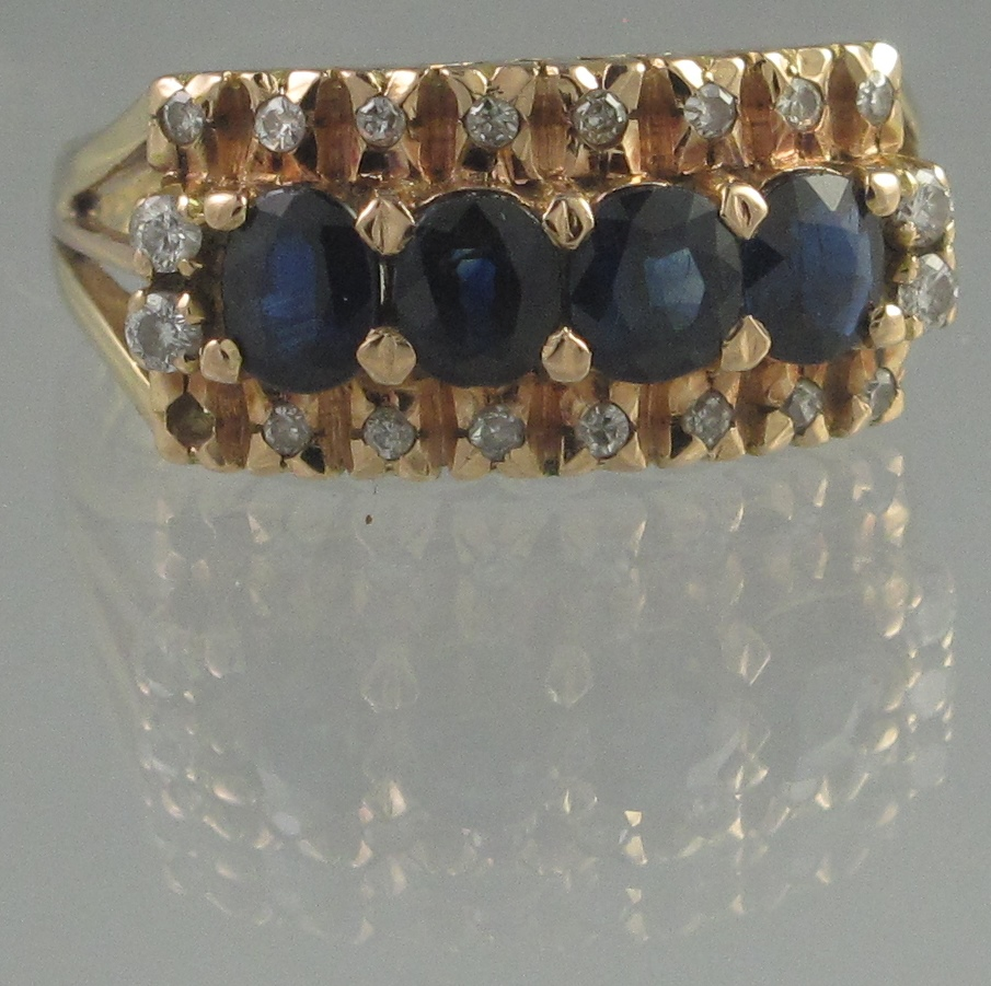 Lot 362 - 14CT GOLD SAPPHIRE AND DIAMOND RING. The