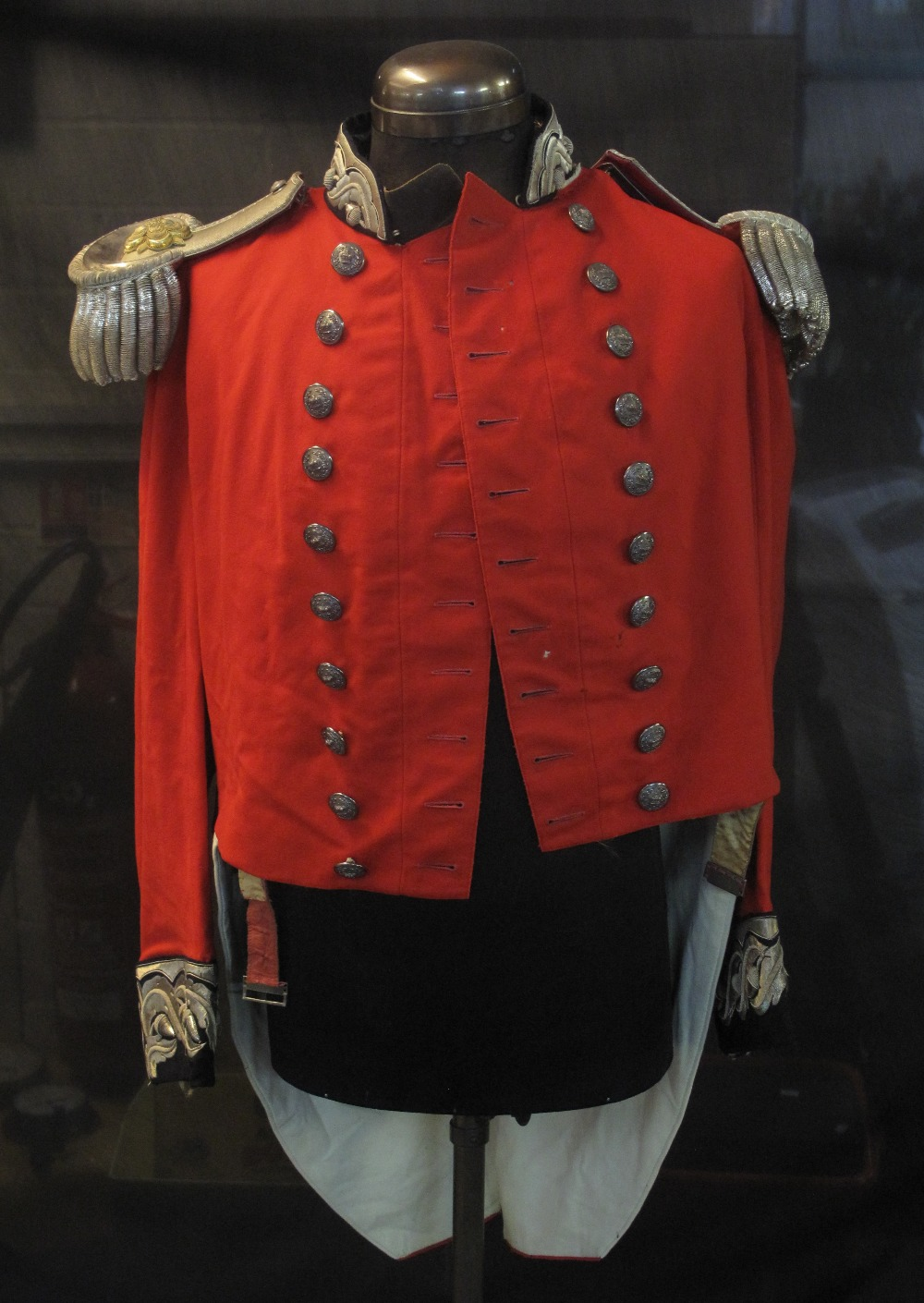 Lot 394 - LATE 18TH/EARLY 19TH CENTURY MILITARY ST