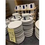 Lot de approx (72) LAVAZZA Tasses et sous tasses