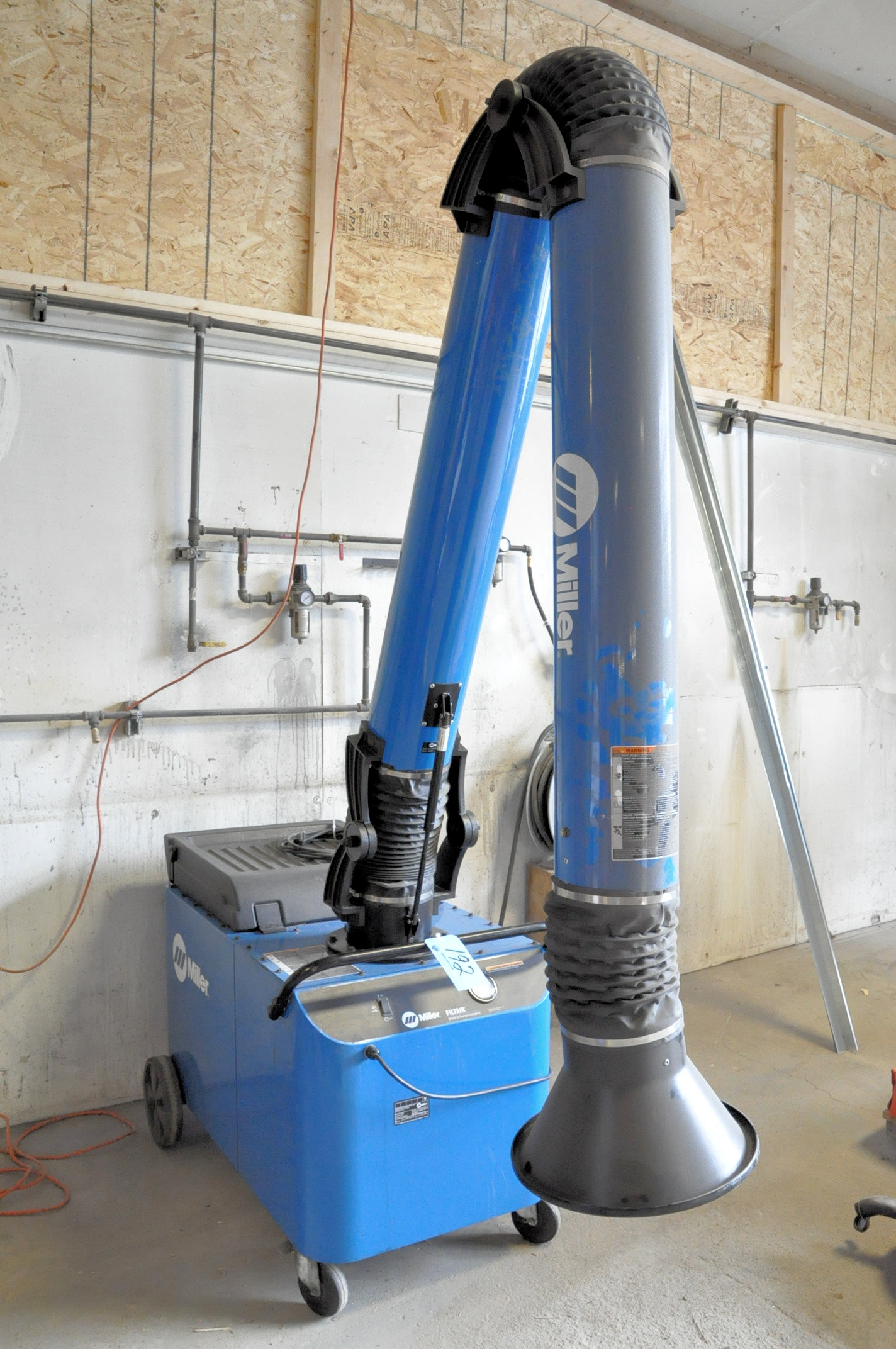 """Miller Model 300502 MWX-D, Portable Filtair 8"""" Diameter Telescoping Fume Extraction Arm, - Image 3 of 3"""