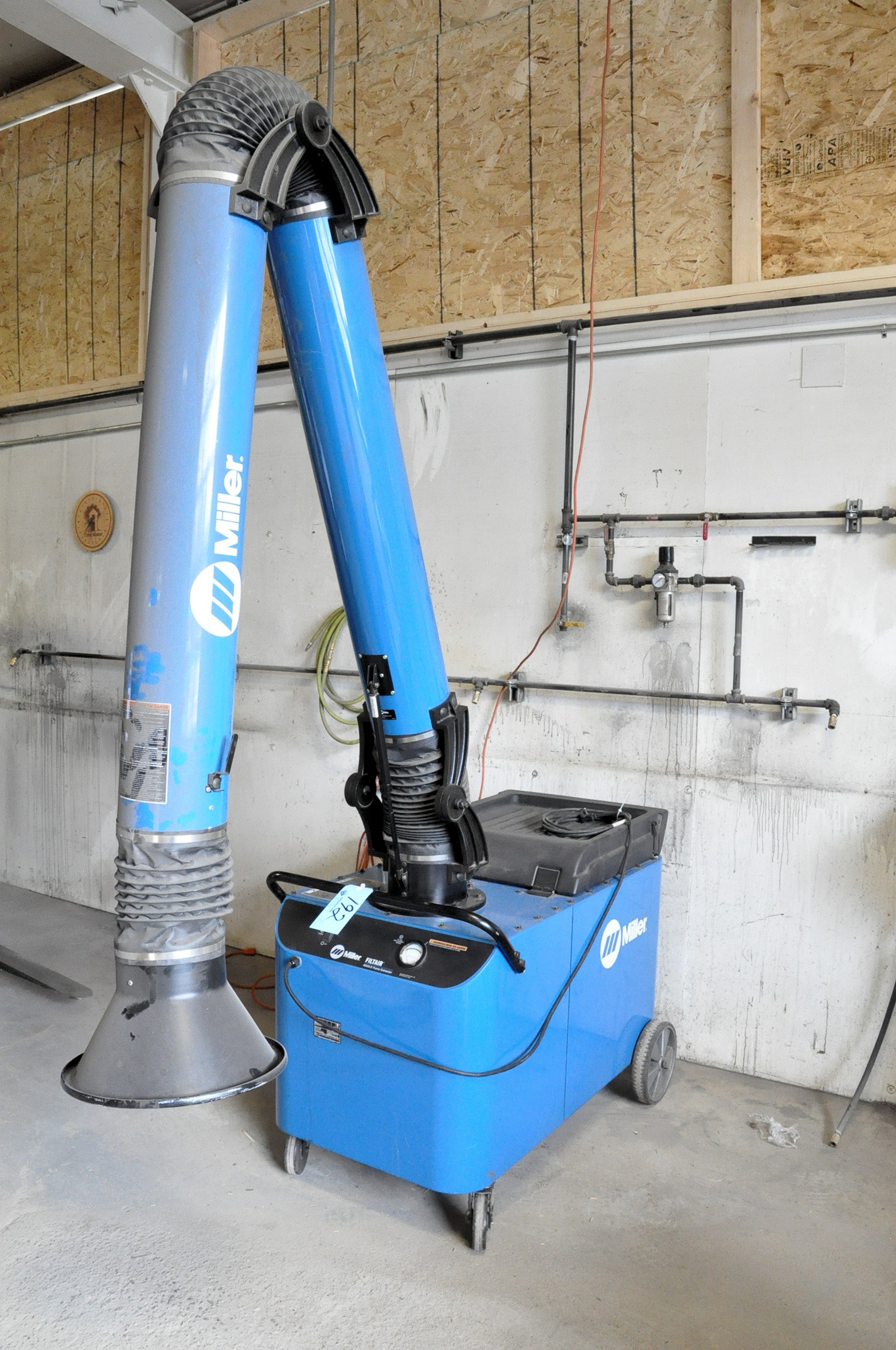 """Miller Model 300502 MWX-D, Portable Filtair 8"""" Diameter Telescoping Fume Extraction Arm, - Image 2 of 3"""