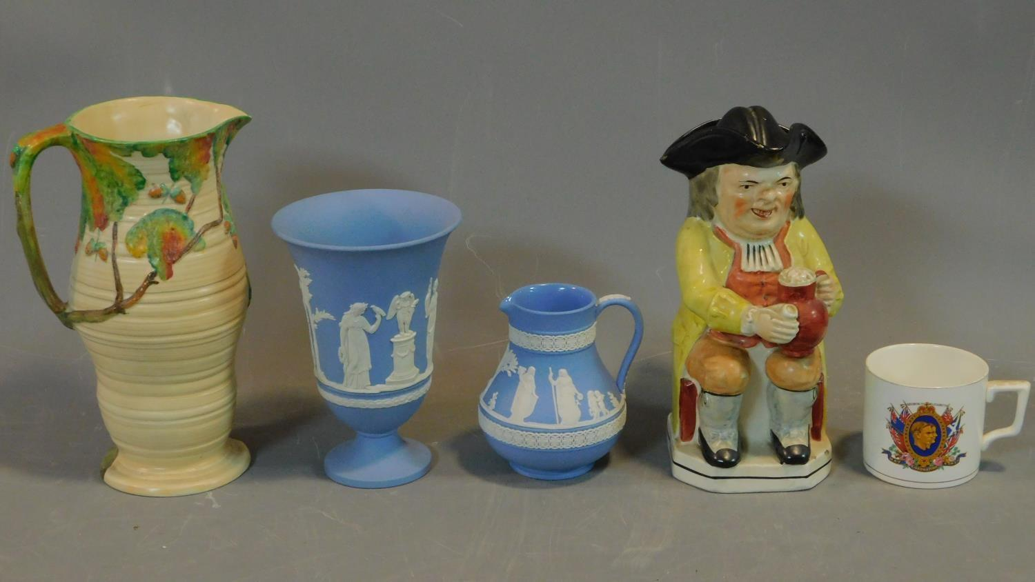 A miscellaneous collection of ceramics to include Jasperware and Carltonware. H.26 (tallest)