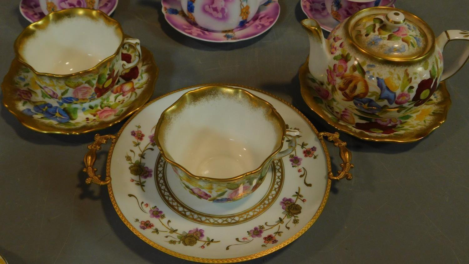 A miscellaneous collection of Victorian and later porcelain, vase, cups, saucers etc. - Image 10 of 14