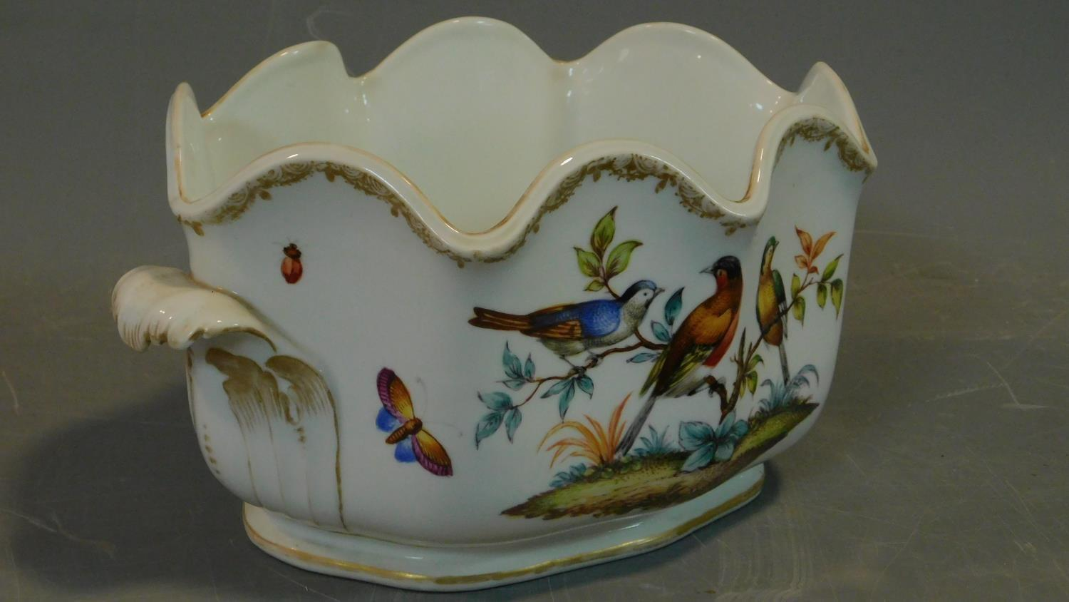 A Meissen style porcelain vase, hand painted with bird decoration. 14x18cm - Image 2 of 9