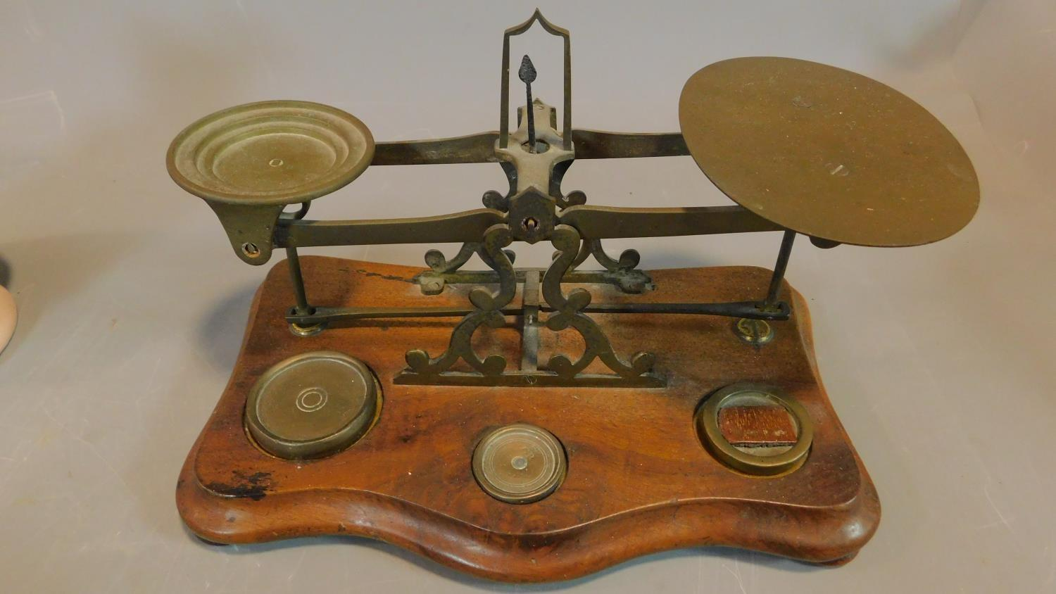 Four Wade pig money boxes, a frog mug and a set of weighing scales. H.17 (tallest) - Image 13 of 13