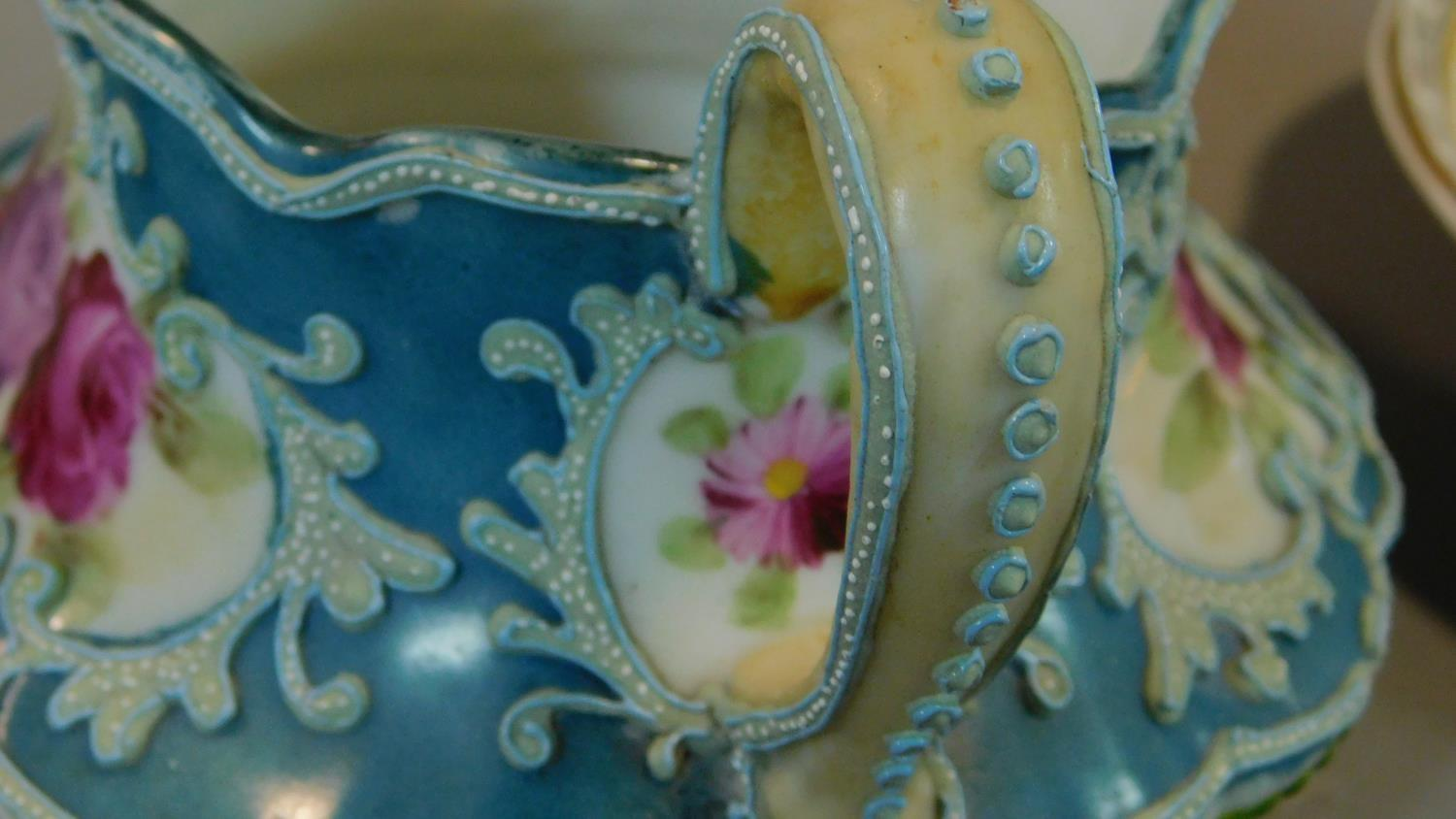 A miscellaneous collection of Victorian and later porcelain, vase, cups, saucers etc. - Image 5 of 14