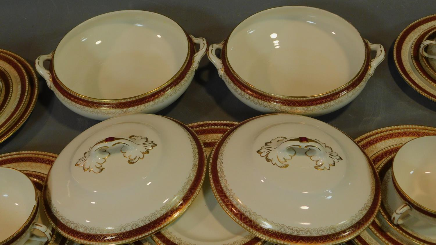 A Loselware part dinner service, dinner plates, side plates, soup bowls, tureens etc. - Image 2 of 6