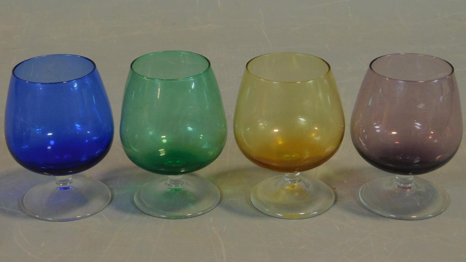 A collection of coloured glass to include a pair of cranberry glass jars with applied sycamore - Image 3 of 5