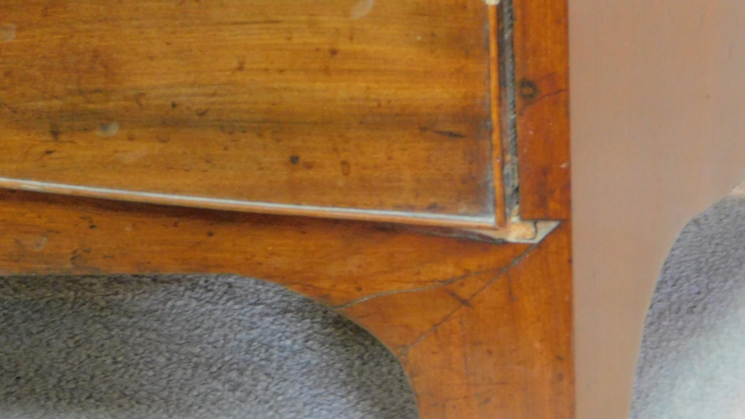 A Georgian mahogany bowfront chest of two short over four long graduating drawers on splay bracket - Image 5 of 5