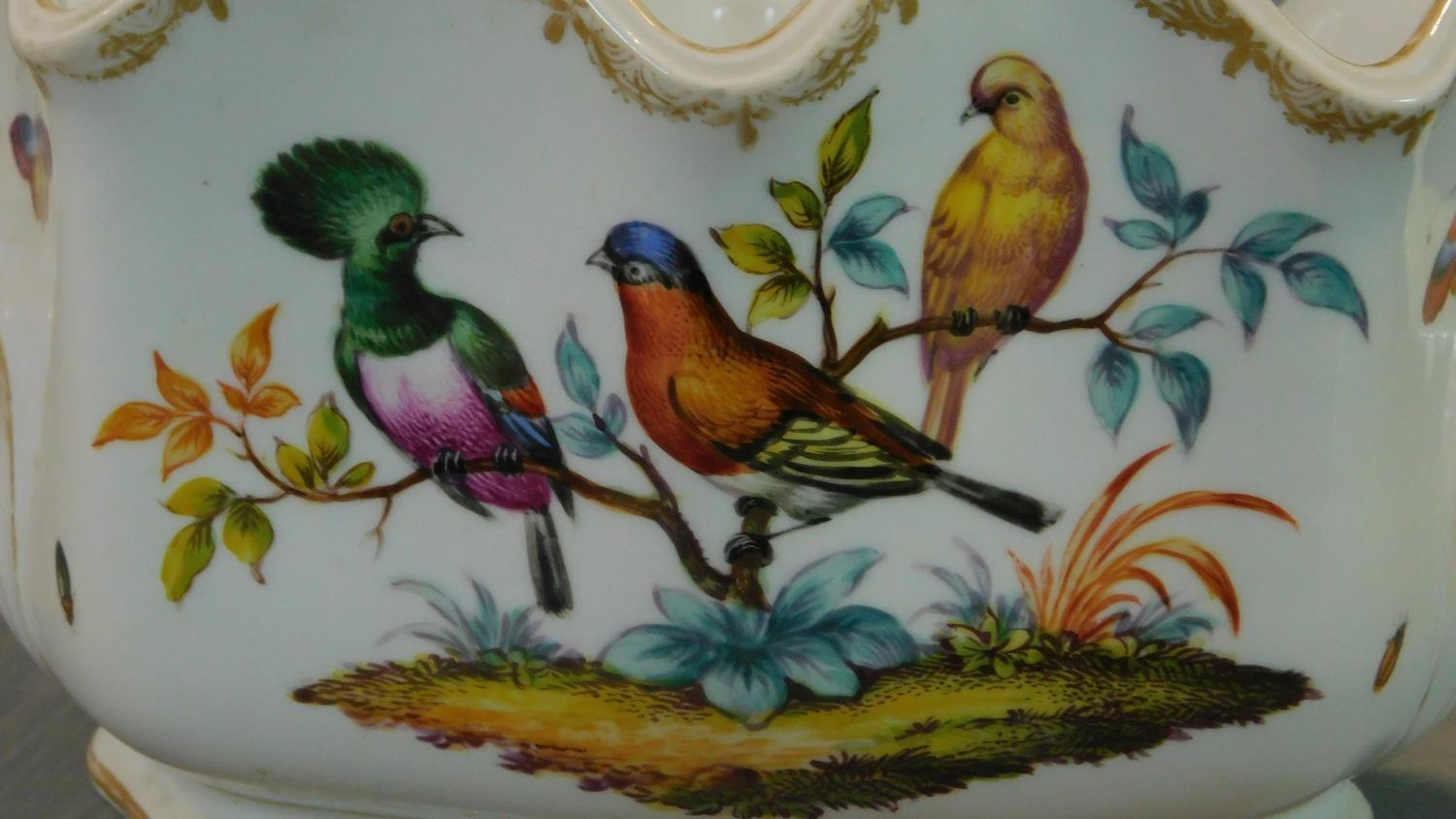 A Meissen style porcelain vase, hand painted with bird decoration. 14x18cm - Image 4 of 9